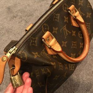 Louis Vitton speedy bag